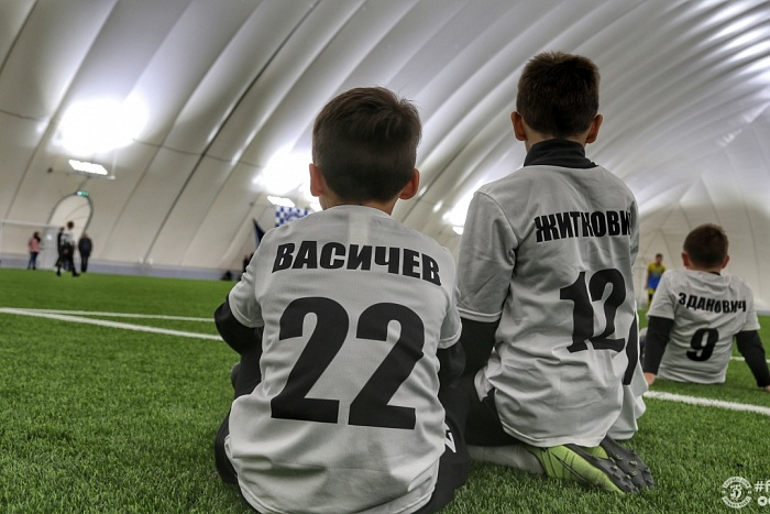 Брестский футбольный манеж принял первый международный турнир