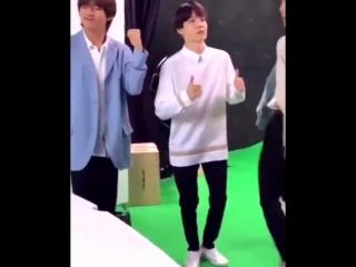 Yoonjin dads and their their grandpas dance - - yoonjin 슙진